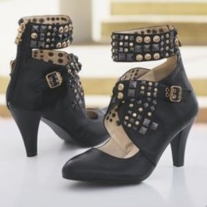 Studded Heels Ankle Strap Shooties Shoe / Boots 6W